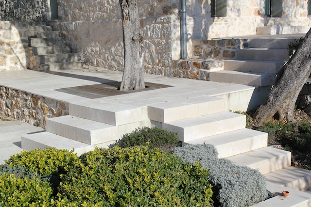 Les carrelages ferrand carcassonne for Entretien jardin carcassonne